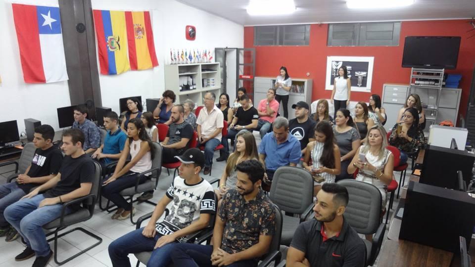 Caçapava/SP - Formatura dos alunos - Recebimento do Certificado Internacional MET