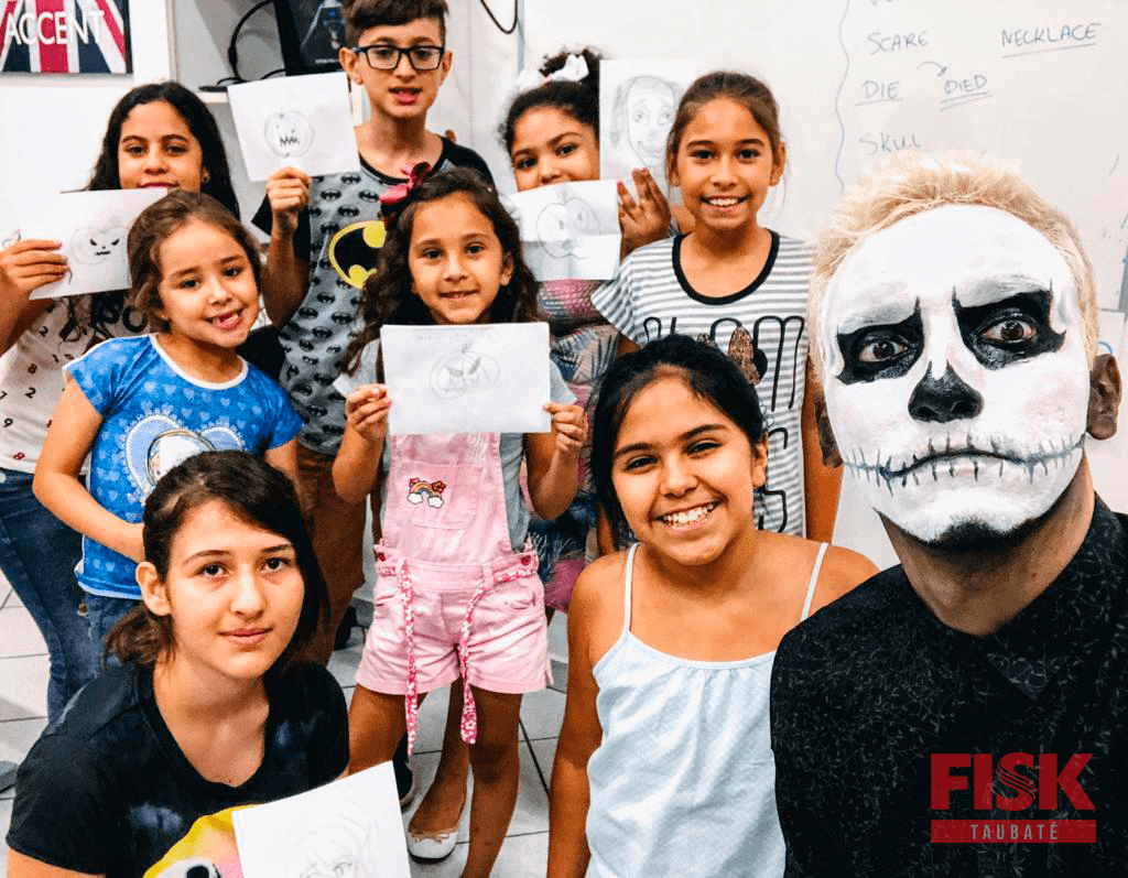 Fisk Taubaté / SP - Workshop de Desenhos de Halloween