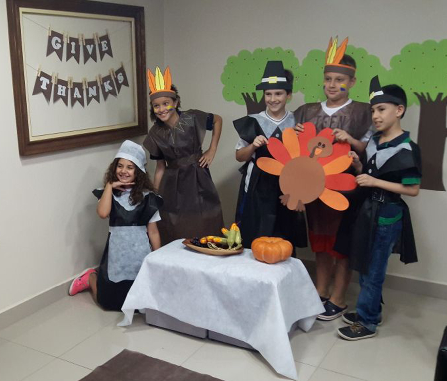 Fisk Tatuí/SP - Thanksgiving play at Fisk