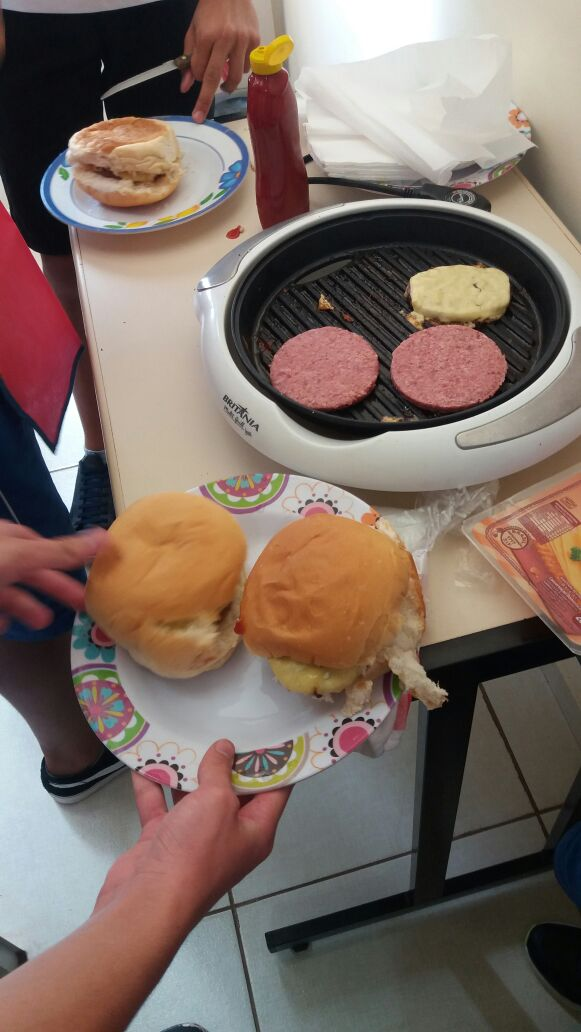 Fisk Goiânia 2 - Lesson 2 / Essentials 1: Food